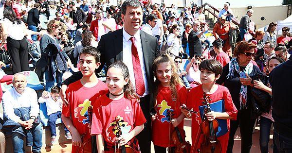 Kadıköy'de 23 Nisan karnaval gibi kutlandı