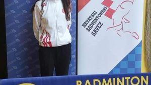 Başkan Çetin Bozkurt Zeynep Değirmenci'yi Kutladı
