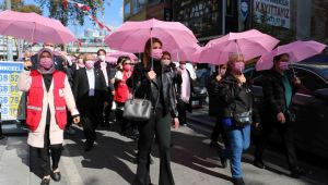 Kartal Belediyesi'nden Meme Kanseri Farkındalık Yürüyüşü