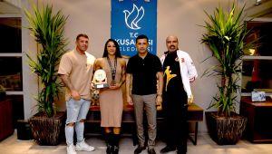 Kuşadası'nın Gururu Alina'dan Başkan Ömer Günel'e Teşekkür Ziyareti