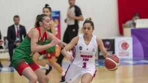 Mersin Büyükşehir'in Kadın Basketbol Takımı Kendi Evinde Fırtına Gibi Esti