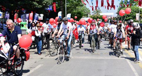Kadıköy'de pedallar 100. yıl için döndü